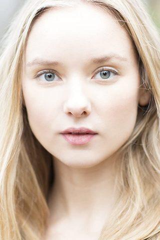 Alexandra Dowling 1