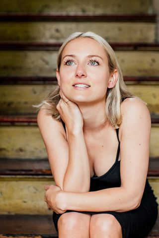 Alexandra Kyle 1
