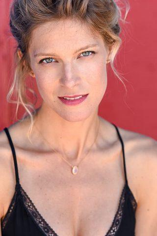 Alexia Barlier 3