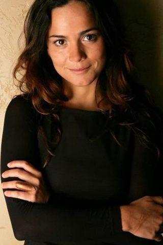 Alice Braga 4