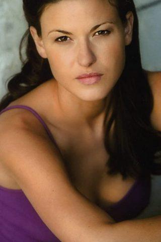 Alicia Lagano 4