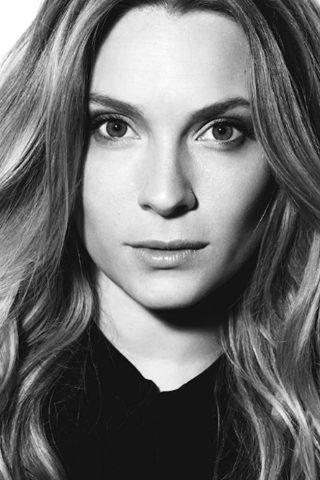 Aliette Opheim 4