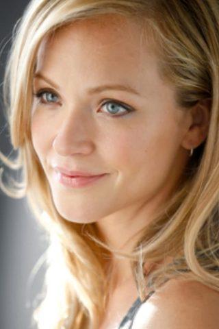 Amanda Clayton 4