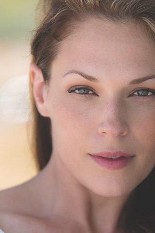 Amanda Righetti 2