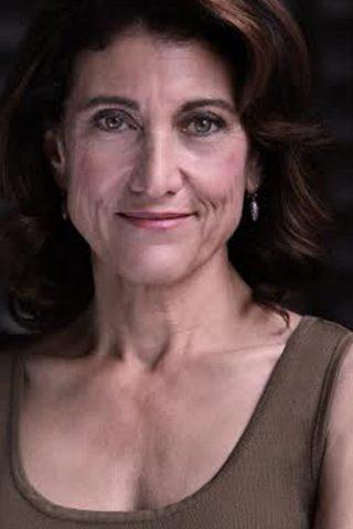 Amy Aquino 3