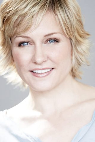 Amy Carlson 2