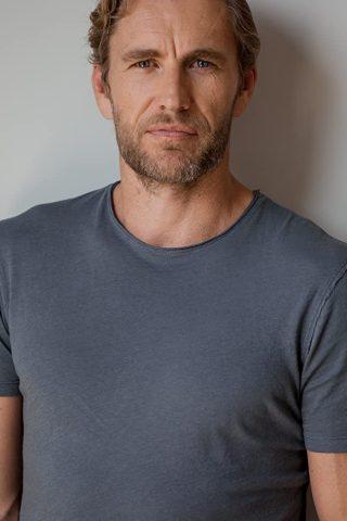 Brett Tucker 4