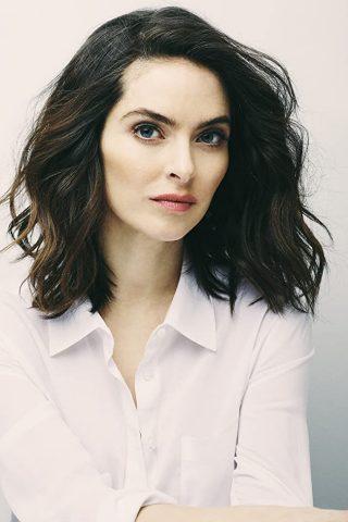 Brooke Lyons 4
