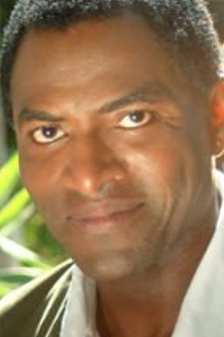 Carl Lumbly 4