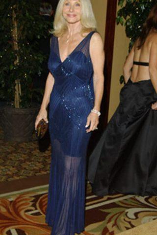 Carla Ferrigno 3