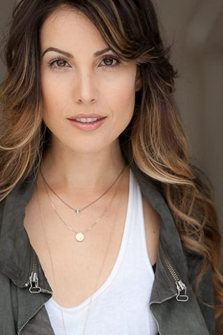 Carly Pope 1