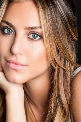 Cassandra Scerbo 1