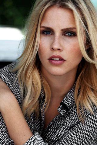 Claire Holt 4