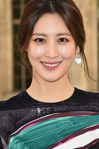 Claudia Kim 2