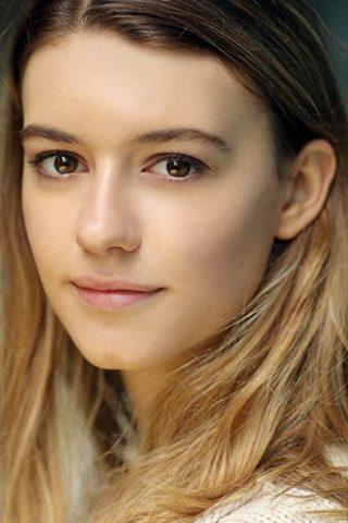 Daisy Edgar-Jones 1