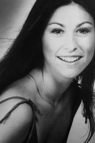 Diana Canova 2