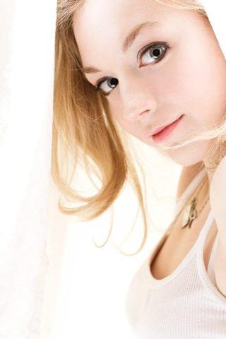 Emily Kinney 4