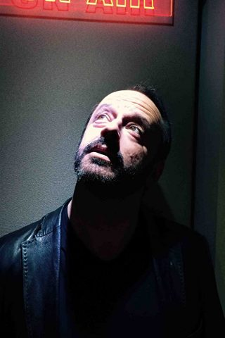 Gil Bellows phone number