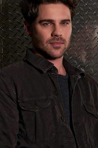 Grey Damon 3