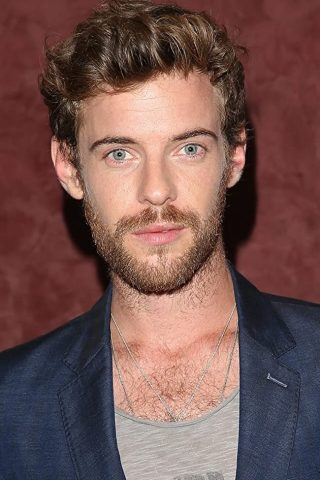 Harry Treadaway 7