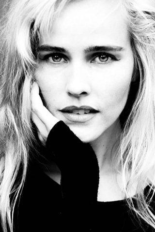 Isabel Lucas 4