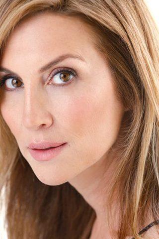 Julie Claire 1