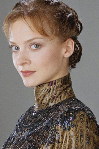 Julie Cox 1
