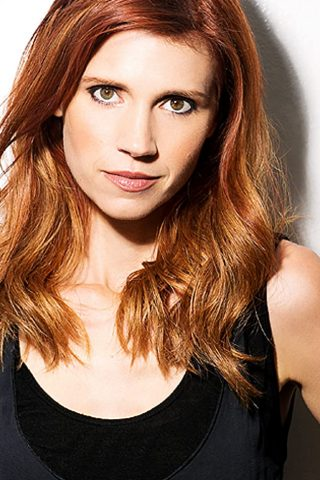 Julie McNiven 3