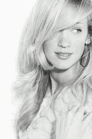 Katie Walder 3