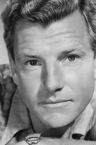 Kenneth More 4