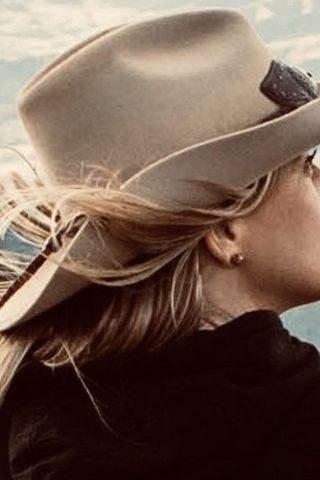 Kristy Swanson 4