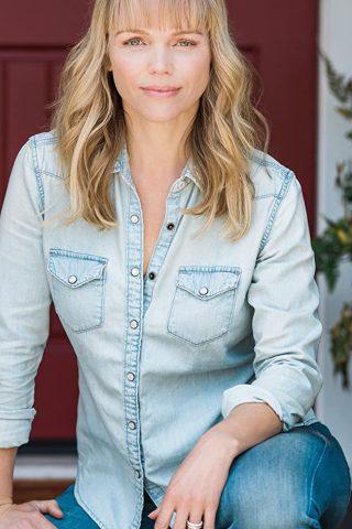 Lauren Bowles 2