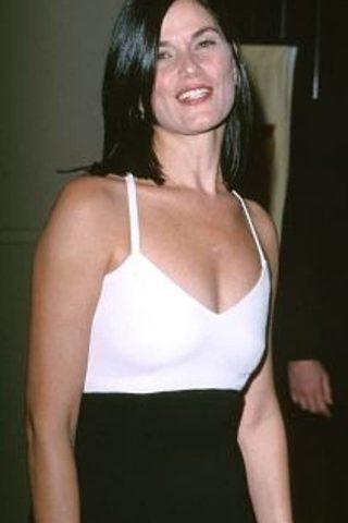 Linda Fiorentino 4