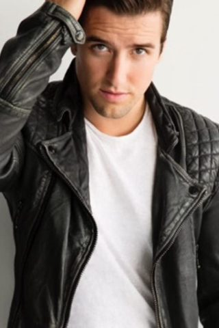 Logan Henderson 3