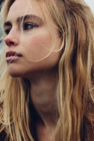 Lucy Fry 1