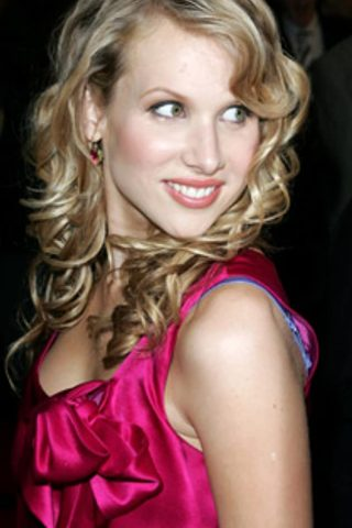 Lucy Punch 11