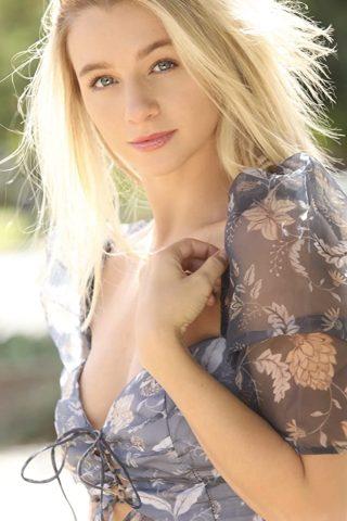 Mollee Gray 4
