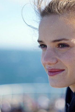 Noémie Schmidt 4