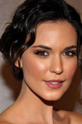 Odette Annable 4