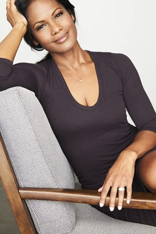 Robinne Lee 9