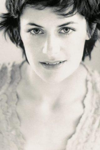 Sarah Clarke 4