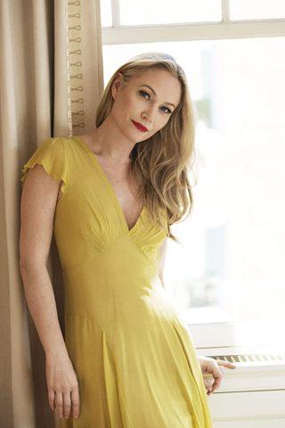 Sarah Wynter 1