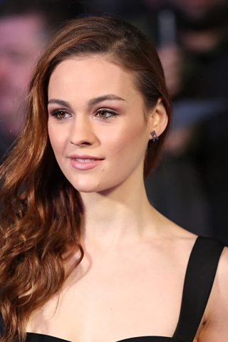 Sophie Skelton phone number