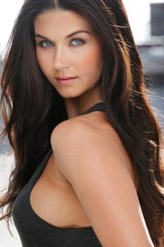 Stephanie Beran 4