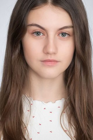 Stephanie Gil 3