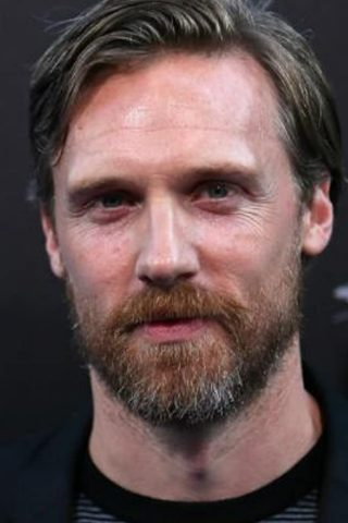 Teddy Sears 2