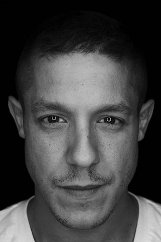 Theo Rossi 3
