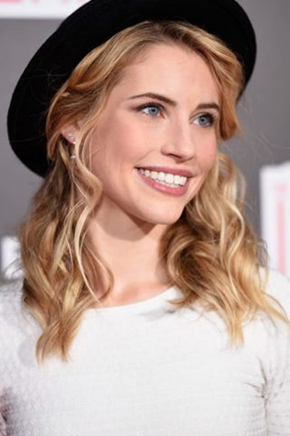 Wallis Currie-Wood phone number