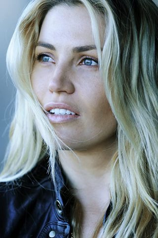 Willa Ford 11