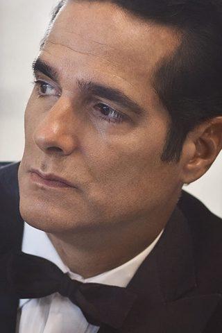 Yul Vazquez 2